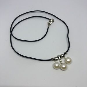 EUC- Freshwater Pearl Necklace